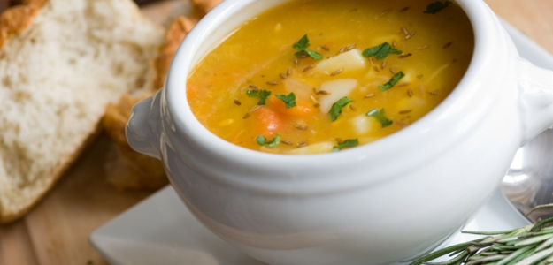 Zeleninová polievka  s knedličkami