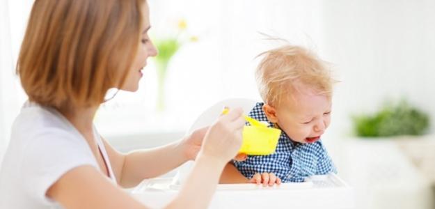 """SOS – moje dieťa nechce jesť! Manuál pre mamy """"nejedákov"""""""