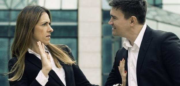Obťažovanie na pracovisku: Ženy, nebojte sa hovoriť!