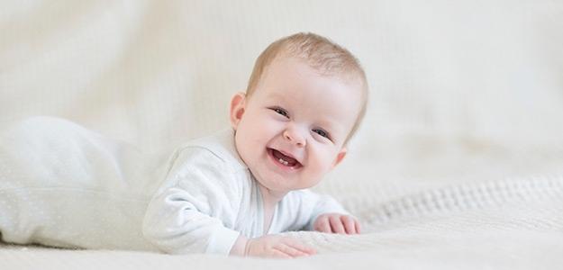 Bábätko pije len materské mliečko, je to v poriadku?