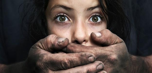 ZNEUŽÍVANÉ deti: Všímajme si tieto znaky ich bolesti