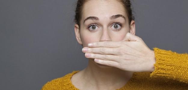 5 spôsobov, ako sa zbaviť nepríjemného dychu