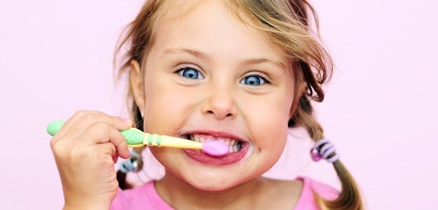 detské zúbky, starostlivosť, prvý zúbok, čistenie, stomatológ