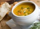 Jarná polievka z koreňovej zeleniny