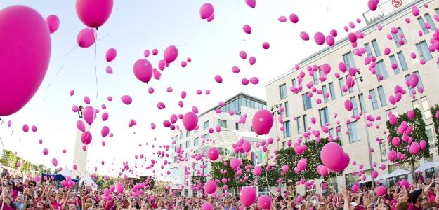 AVON pochod proti rakovine prsníka 2013