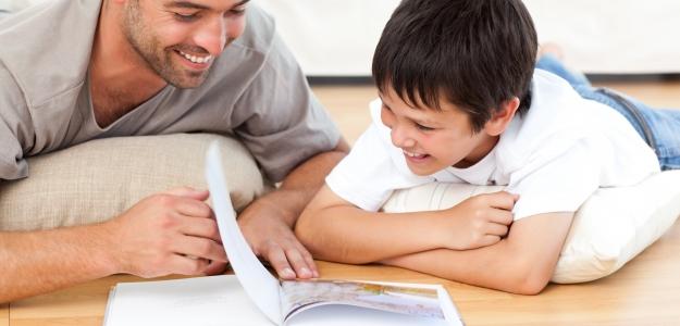 Keď číta ocko