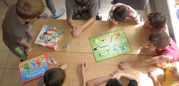 Spoznať vaše dieťa vám umožnia i spoločenské hry