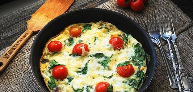 Omeleta s baby špenátom