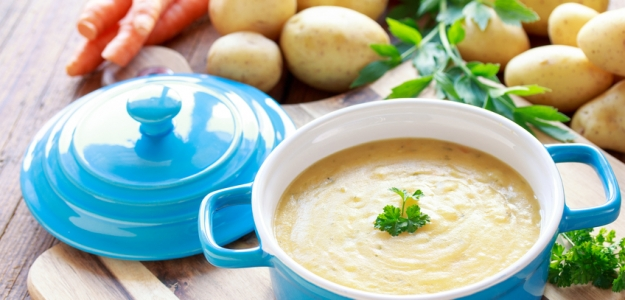 Mliečna zemiaková polievka s fazuľkou