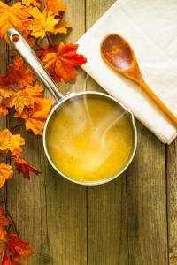 Cukinová polievka so strúhaným kalerábom