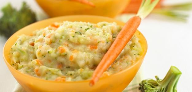 Zemiaková kaša s mrkvou a brokolicou