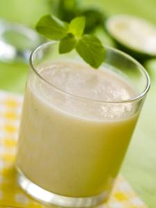 Ananásovo-bazalkové smoothie