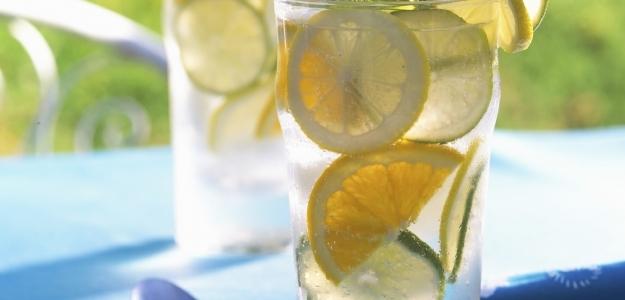 Sirup z citrónov a petržlenovej vňate