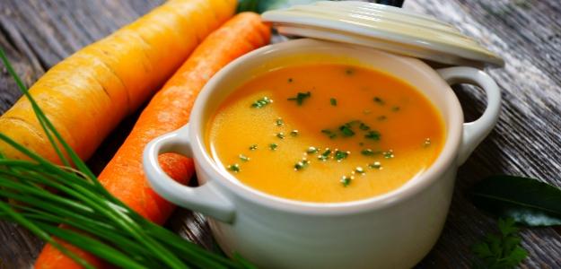 Mrkvová karí polievka