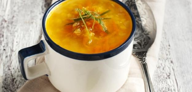 Mrkvová polievka s ovsenými vločkami a vaječnou hmlou