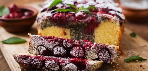 Makovo-čerešňový koláčik