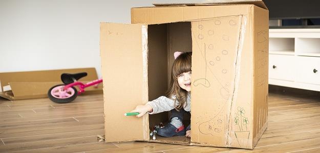 Ani hračky netreba: Kreatívne HRY pre deti do 3. rokov
