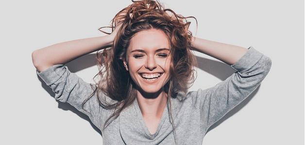 Úsmev od ucha k uchu alebo O toxickej pozitivite